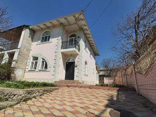 Vand casa tip - duplex la doar 10 km de or. Chisinau.