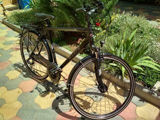Bicicletă din aluminiu de ultimă generație.