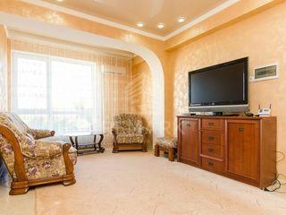 Chirie , Apartament cu 3 odăi, Rîșcani,  str. Nadejda Russo, 550 €