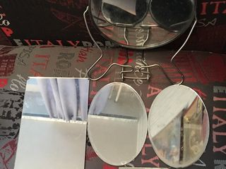 Зеркало косметическое,с увеличением с другой стороны + зеркала небольшие = 120л.