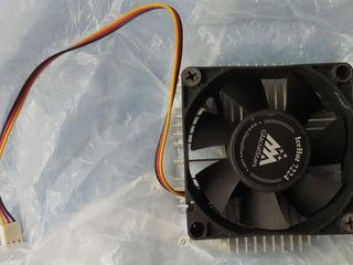 Вентилятор с радиатором. Вентилятор маленький. Недорого.