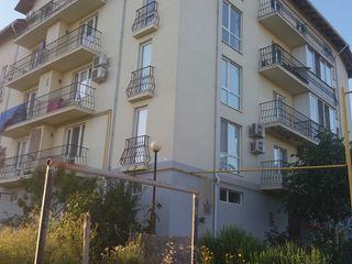 Se vinde apartament in zona linistita, in casa noua in Colonita (5 min pina la Ciocana)