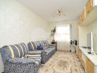 Apartament cu 3 camere, mobilat,  str. Albișoara, 300 € !