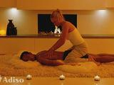 Masaj placut, relaxant pentru barbati cu fata frumoasa