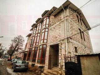 Urgent! Bloc nou, casa cu 3 nivele pentru Hostel, pentru orice spatiu comercial