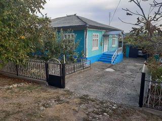 Se vinde casa +livada de ciresi r.Glodeni s.Camenca