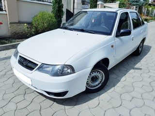 Daewoo nexia= 200 lei  Dacia logan=250lei WV , Toyota =  300lei