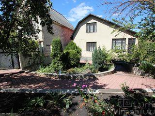 Продаётся дача (dachia) дом (cabana) в 3-х уровнях , в 2-х км от Кишинёва в сторону Тогатино, справа