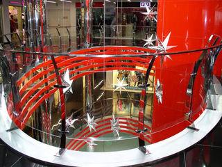 Изготовление и монтаж ограждений из стекла