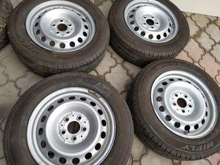 Продаются диски с шинами на mercedes vito, viano