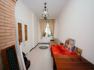 Se vinde apartament la sol, amplasat în sect. Centru, 42000 €