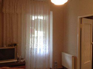 Продается однокомнатная квартира в Яловенах /ул. Д. Сихастру