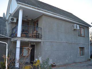 Case de vînzare în Chișinău, cu suprafața de 110mp, în sect. Buiucani.