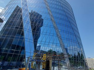 Se da in Chirie oficii 350-400  m Infinity Tower , str.Stefan cel Mare