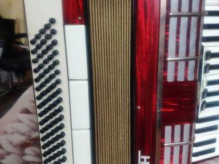 Продам немецкий аккордеон Horch  на 80 басов + 3 регистра.