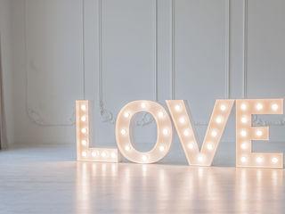 Decor pentru nunta love cu becuri