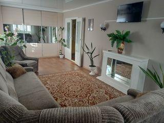 Дубоссары, сдам почасово,посуточно, понедельно 2-х комнатную благоустроенную квартиру.