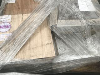 керамическая плитка на полетах  от 300 лей за лот