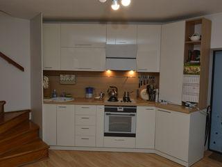 Apartament cu 3 nivele in casa noua cu terasa si subsol numai 43500 Euro !!!