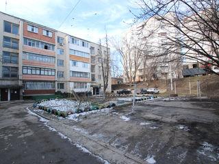 Apartament cu 4 odai in bloc din cotilet | Botanica
