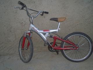 vind o bicicleta pentru copii pentru virsta 6 si 10 ani