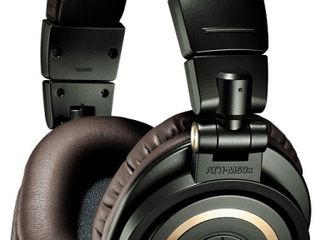 Профессиональные мониторные наушники Audio-Technica ATH-M50x