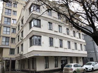Se vinde Apartament 2 odai+ living ,Centru,Alexandru Hîjdeu,Bloc Nou,Park 63000euro