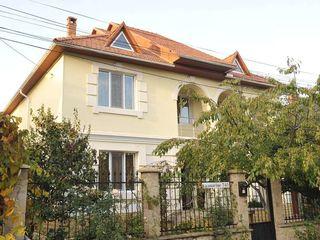 Se vinde casa in Schinoasa 250mp, zona linistita