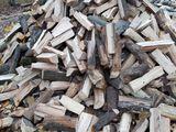 Lemne tari de foc, despicate aduc şi în cantităţi mici
