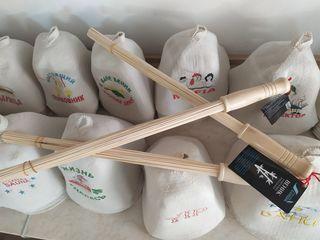 Дубовые веники, шапки, масла, килты и другие аксессуары для сауны