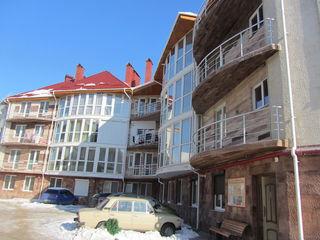 Продаю 1-комн. квартиру 29кв.м. на 2-ом этаже 4-х этажного нового дома в Грэтиешты