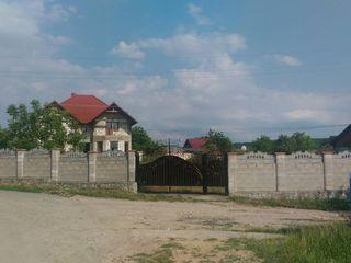 Недостроенный дом на участке 18 соток