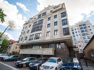 Spre Chirie, Apartament cu 3 odai, Bernardazzi Residence, Centru!