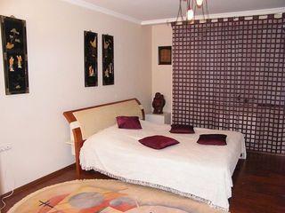 3 комнатная элитная квартира. 2 комфортабельные спальни. 2 санузла.Центр.