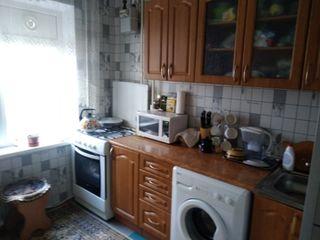Se vinde apartament 3 odăi