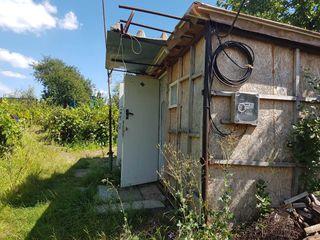 "Участок с летним домиком и комуникациями в I.P.""Boierul"" c.Ниморень Яловенского р-на. Цена:5500 евро"