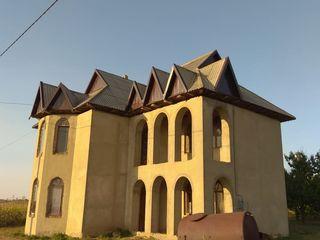 Продам 2-х этажный дом, Урсоая, 4 комнаты, 160 кв, 16 соток, 12 000 €
