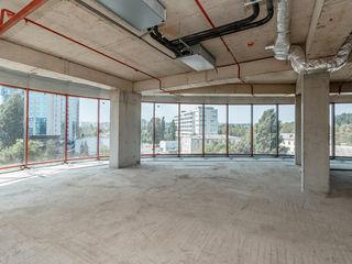 Сдаем Уникальные офисные помещения 350м2 в бизнес центре класса А Infinity Tower на Штефан чел Маре!
