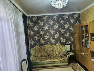 Casa cu 3 camere in Centru Chișinăului pe strada București