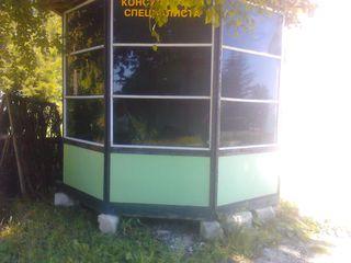 Продается торговый ларек для торговли,размером 3м на 2м,переносной,окна тонированные от света,срочно