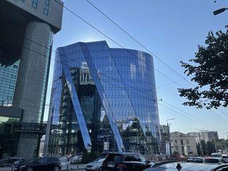 Аренда коммерческих помещений 39м2,70м2,104м2,107м2,178м2 в бизнес центре на Штефан чел Маре!