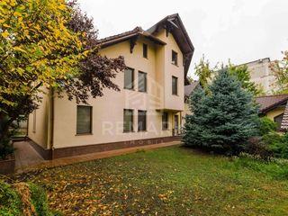 Chirie Casa 300 mp, Centru, str. Drumul Viilor, 2500  €