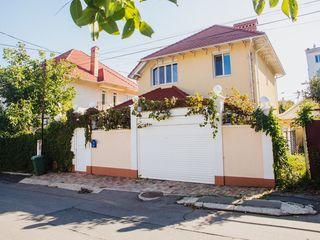 Casa cu 2 nivele în zona privata,sectorul Telecentru!