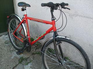 2 приличных велосипеда.