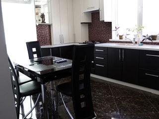 Închiriere apartament 2 camere,bloc nou,euroreparaţie,lunar-Exclus agenţii