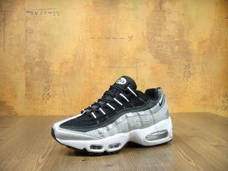 """Nike Air Max 95 """"Metallic Platinum"""" Unisex"""