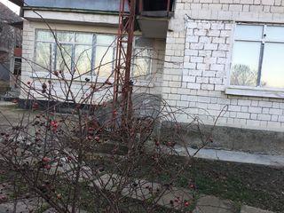Меняю дом на берегу Днестра (Криуляны) на квартиру в Кишиневе