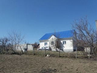 Продаётся дом в отличном состоянии в селе Сарата-Галбенэ, район Хынчешты.