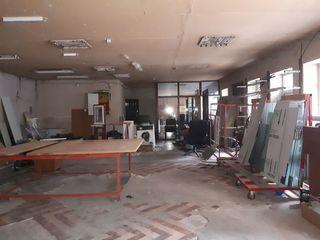 Сдаю 90m2 под бизнес(шоурум), 10м2 офис и 50м2 склада со двором на Узинелор !
