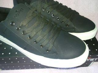 Soviet фирменные кроссовки, новые размер 42